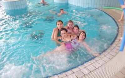 Športni dan v bazenu in na pohodu