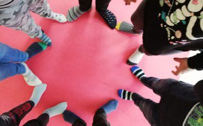 V nedeljo obujemo različni (pisani) nogavici … 16.svetovni dan Downovega sindroma