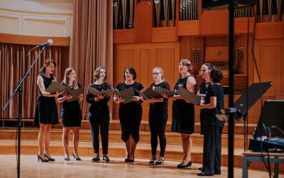 Devojke ob dnevu učiteljev znova v Filharmoniji